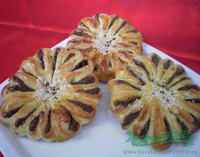 crizanteme-din-aluat-de-cozonac