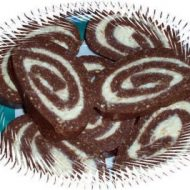Salam de Biscuiti Umplut- Turos Keksztekercs
