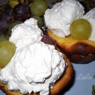 Briose umplute cu fructe