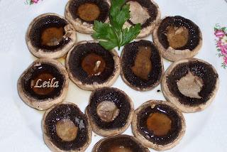 Ciuperci pe plita
