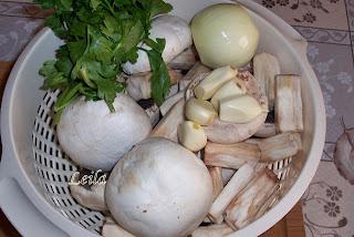 Ciuperci scazute