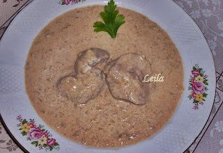 Ficatei de Pui cu Sos- Tejfolos Csirke Maj- Chicken Liver in the Sauce