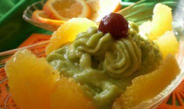 Felii de portocale cu piure de avocado