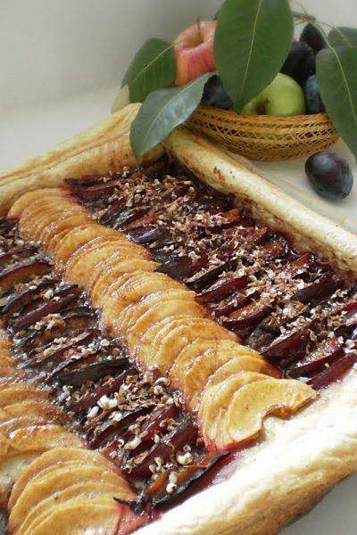 Tarta cu prune si mere