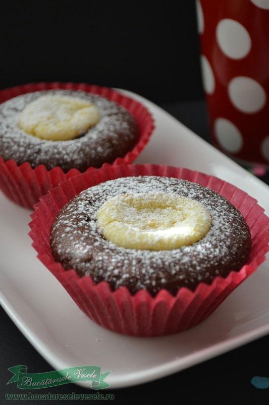 muffins-cu-cacao-si-branza-1