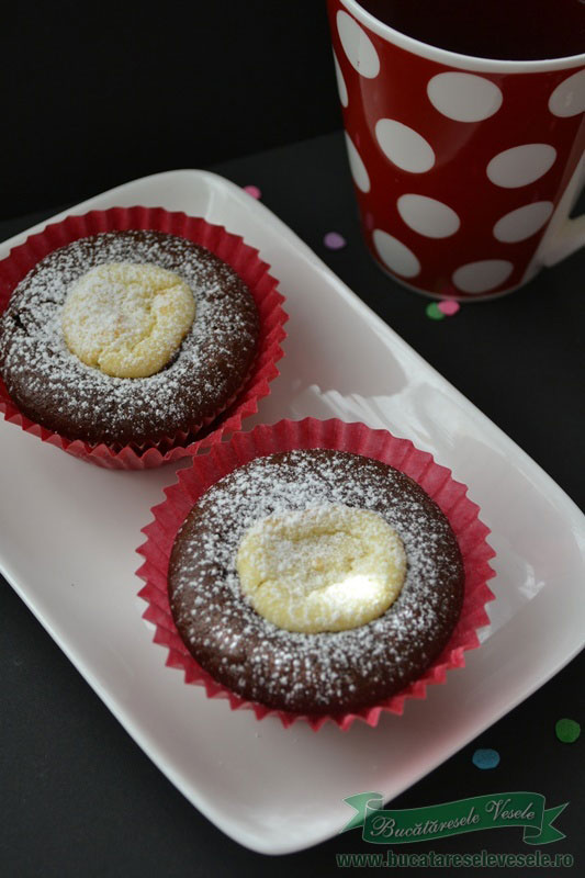 Muffins cu cacao si branza