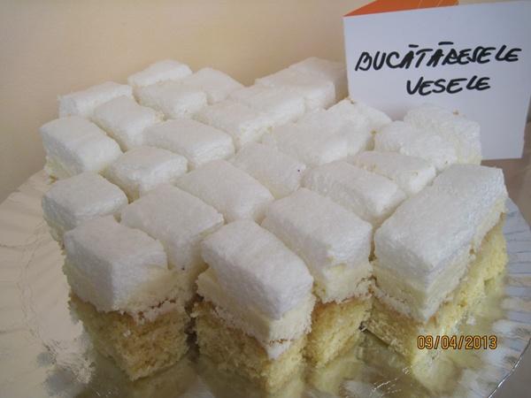 prajitura-cu-cocos-si-bezea-Paula Heinisch1