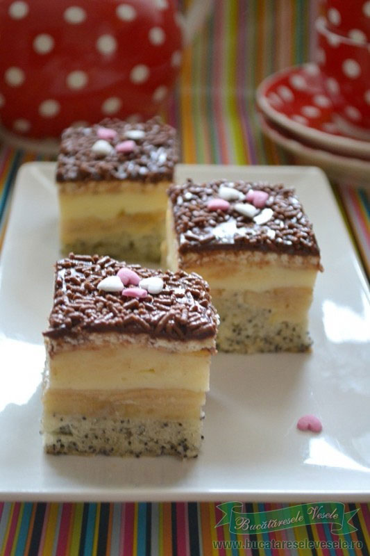 prajitura-cu-mere-mac-si-crema-de-vanilie2