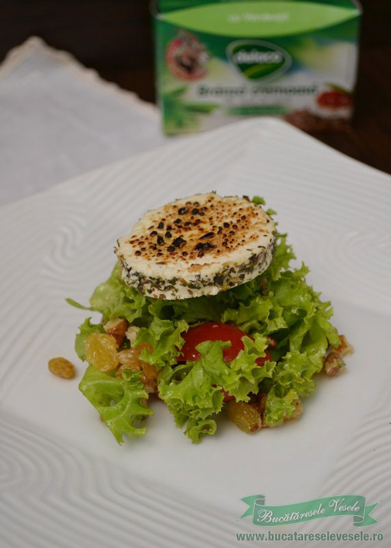 salata-cu-nuci-si-branza-de-capra