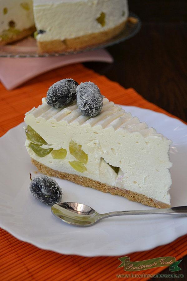 prajitura-cu-crema-de-branza-si-struguri-2