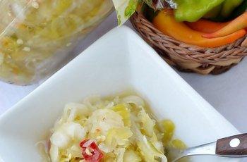 Salata de Ceapa si Ardei Iuti