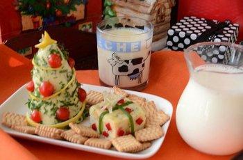 Micul dejun cu lapte pentru Mos Craciun