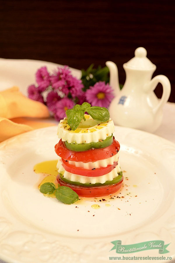 Mille-feuille-de-miez-de-lapte-rosii-si-ardei-4