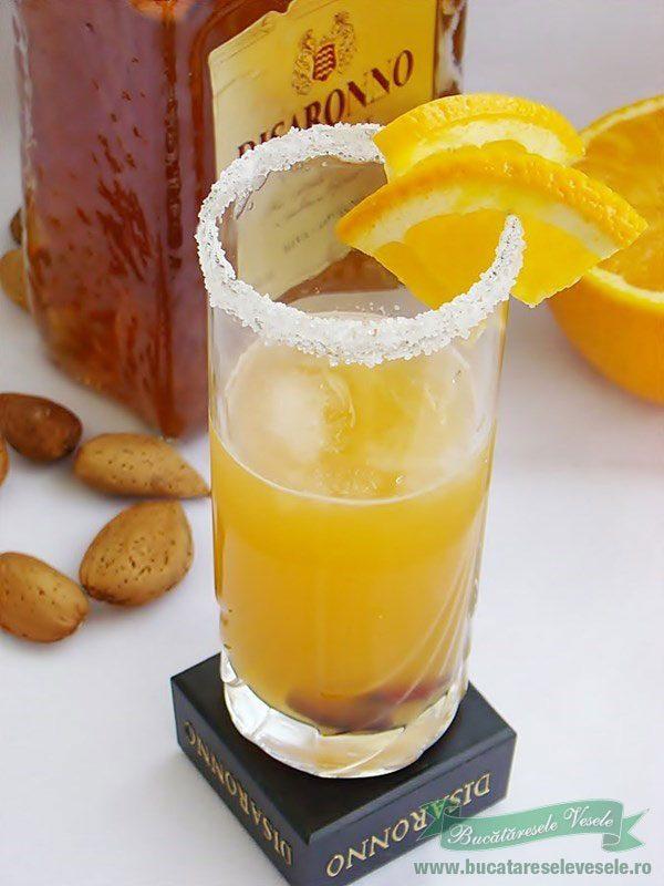 Coktail cu lichior Amarreto si Portocale