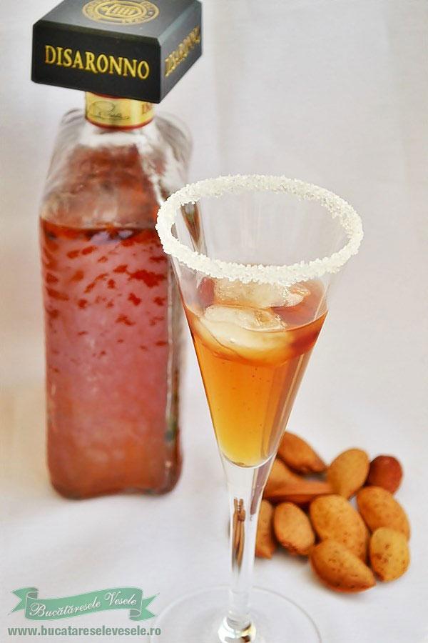 Coktail cu Lichior Amaretto si Portocale