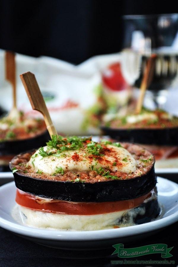 turnulete-de-vinete-cu-mozzarella-vin-alb