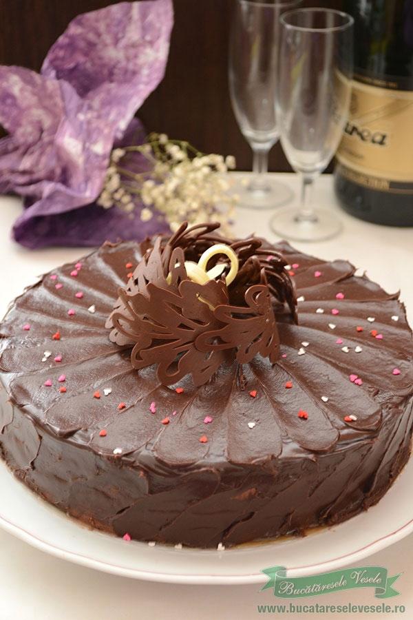 Tort de ciocolata- Aniversare 6 ani de blog !