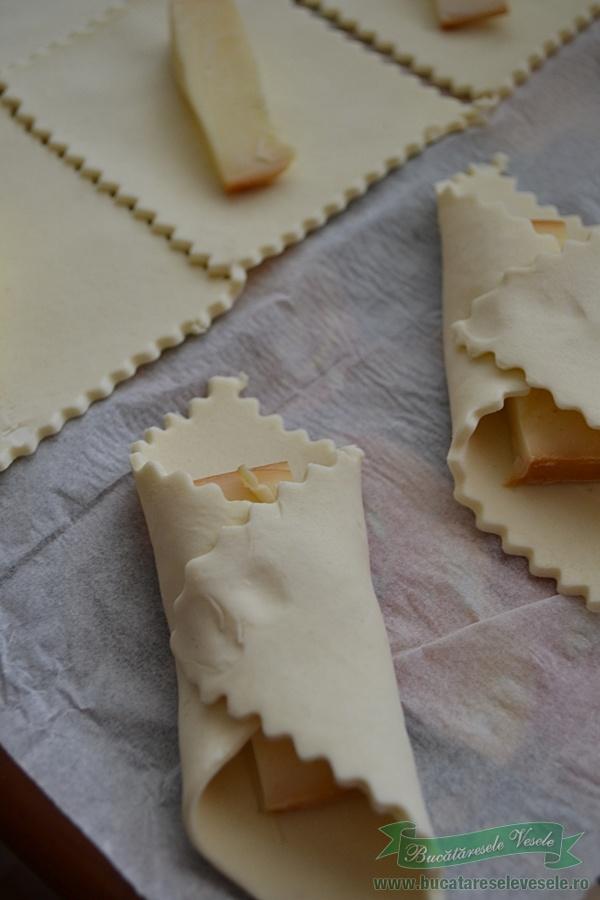 pateuri-cu-cascaval-afumat-ingrediente