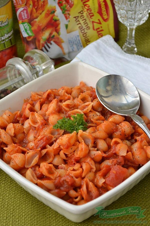 paste cu sos de rosii
