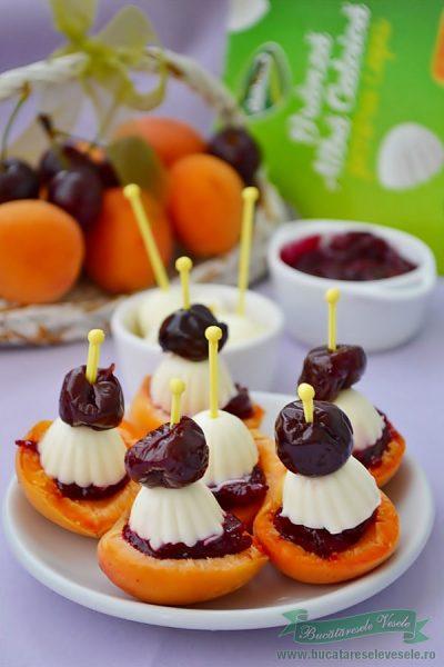 Barcute din fructe cu branza