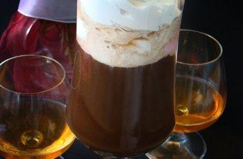 Cafea cu inghetata si coniac