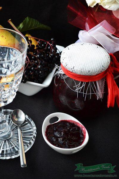 Dulceata din fructe de soc si pere