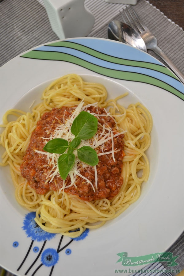 spaghetti-bologneze-1-reteta