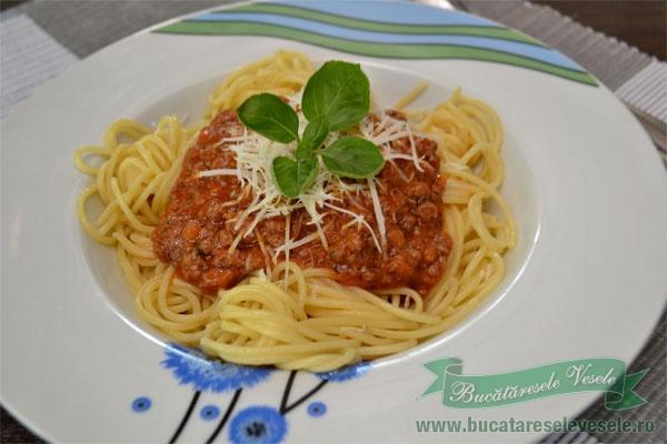 spaghetti-bologneze-reteta-2