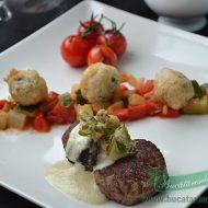 Medalioane de vita cu sos de gorgonzola