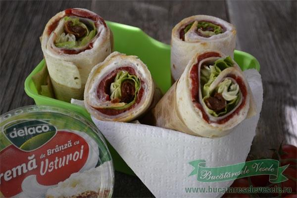 sandvis-cu-crema-de-branza-si-tortilla-4