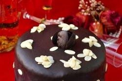 Tort de clatite cu crema de branza si ciocolata