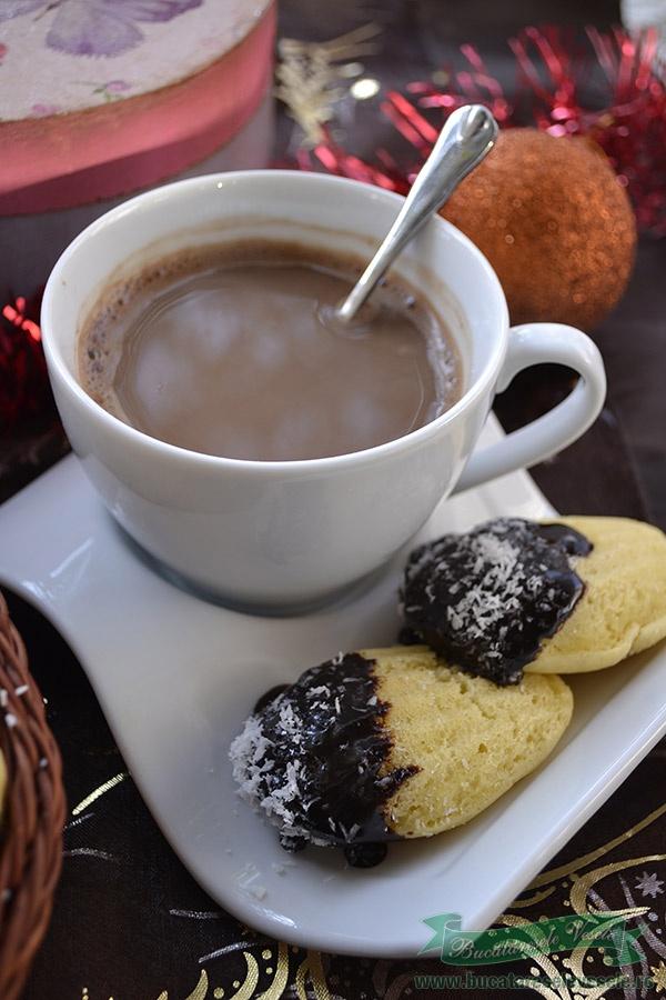 Madlene cu glazura de ciocolata