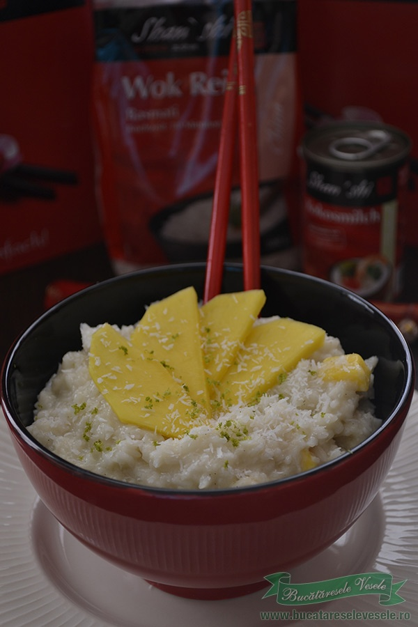 Budinca de orez cu lapte de cocos si mango