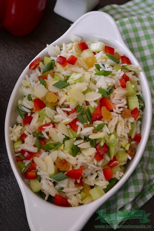 salata-de-primavara-cu-orez