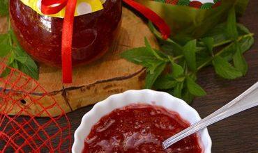 Dulceata de Capsune si Rubarba cu Green Sugar