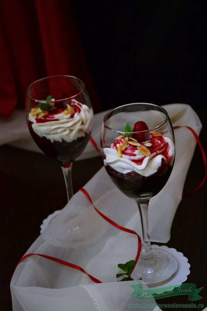 desert cu branza si zmeura