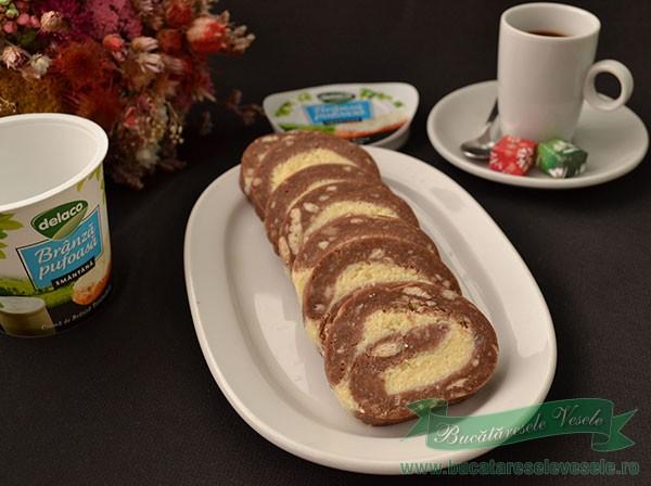 Rulada de Biscuiti cu Branza