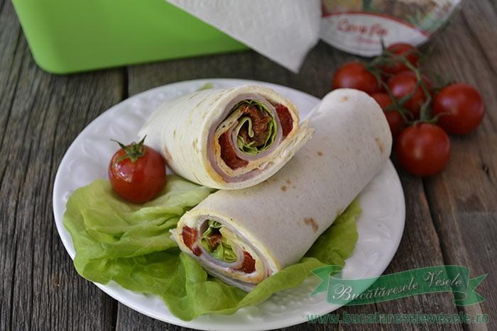 sandvis-rulat-din-tortilla1