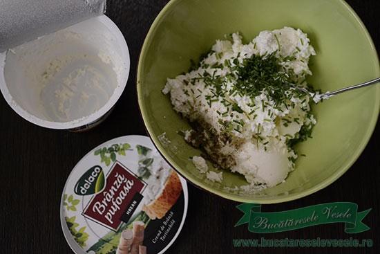 aperitiv-cu-sfecla-si-branza-pufoasa-cu-hrean-preparare