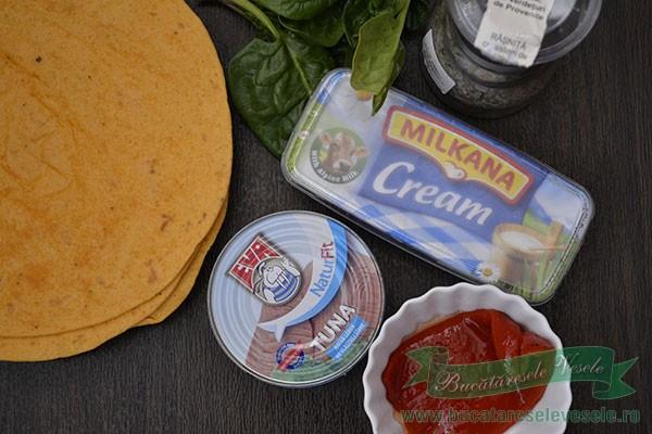 rulouri-cu-pasta-de-ton-ingrediente