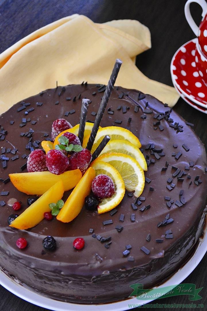 tort-cu-ciocolata-si-zmeura-1