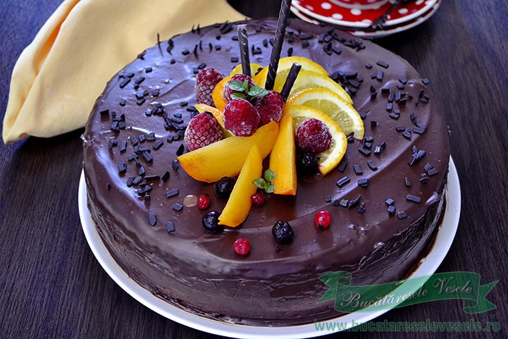 Tort cu ciocolata si zmeura