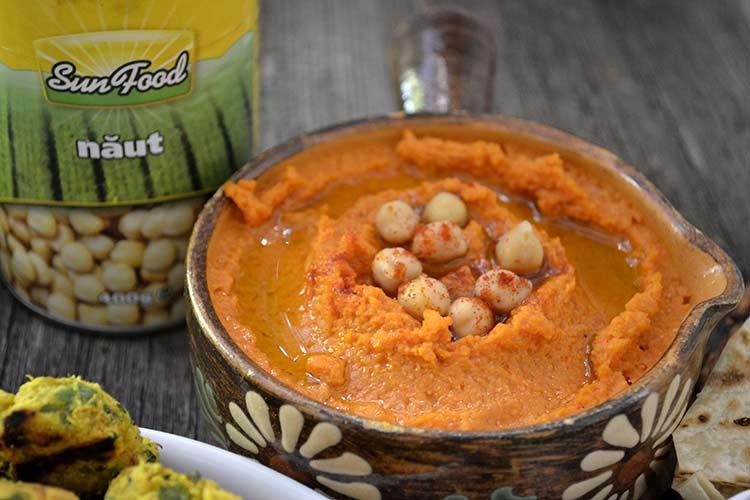 humus cu ardei copt