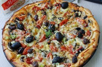 Pizza cu Ciuperci si Mozzarella