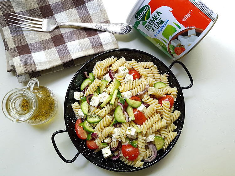 Salata de paste cu telemea