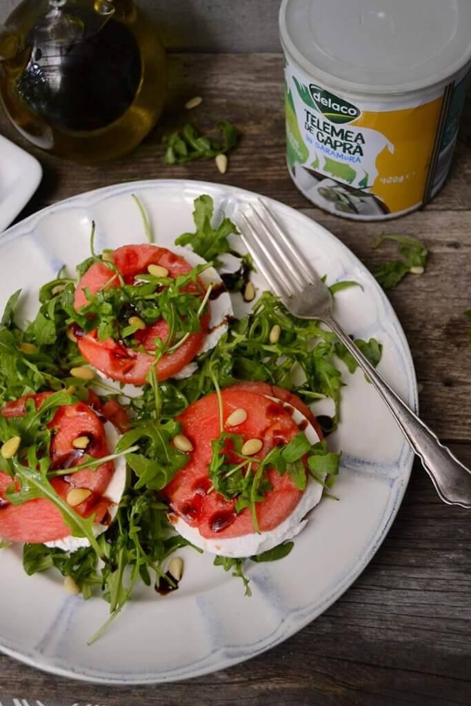 salata cu telemea de capra si pepene verde