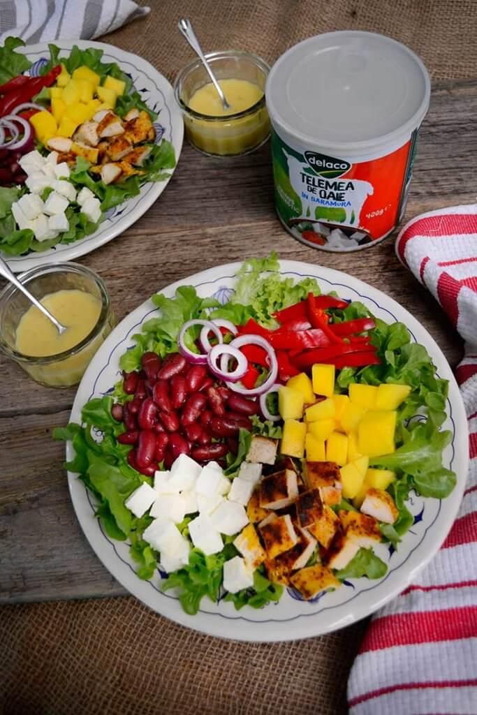 salata cu telemea pui si mango