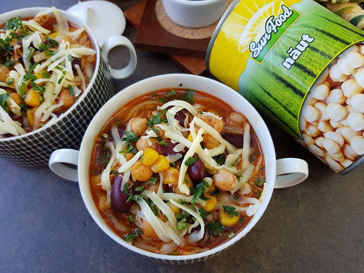 Supa picanta de pui cu naut