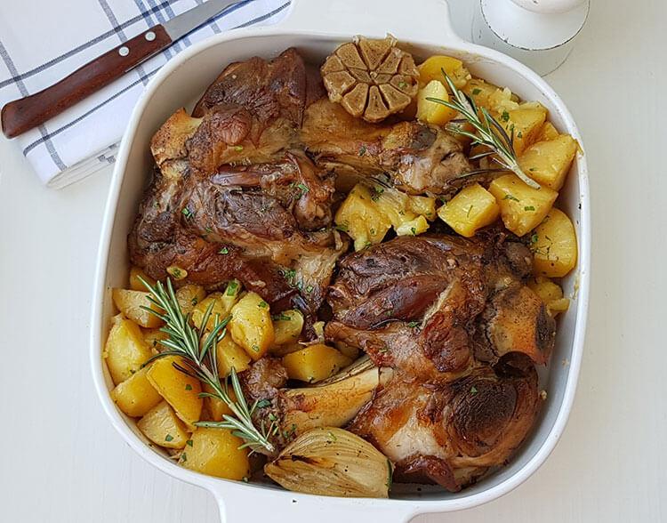Ciolan la cuptor cu cartofi
