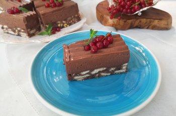 prajitura cu biscuiti si crema de ciocolata